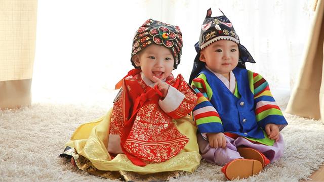 記事中190709韓服の赤ちゃん