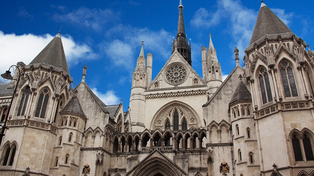 記事中190712イギリス法廷